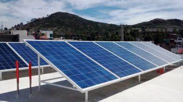 paneles solares en la paz